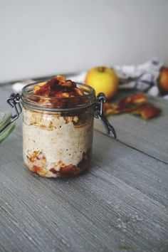 Overnight Oats with Dates, Apple & Cinnamon Overnight Oats, Oats Recipes, Raw Food Recipes, Freezer Recipes, Freezer Cooking, Drink Recipes, Cooking Tips, Breakfast Dessert, Breakfast Recipes