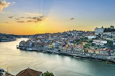 Sunset in Porto, Portugal. View of the historic city of Porto, Portugal during s , Portugal Vacation, Portugal Travel Guide, Best Places To Retire, Places To See, Prague, Voyage Rome, Milan, Affordable Vacations, Stock Foto