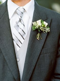 Nice silver and white tie