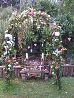 A stunning alter design for a Boho Chic wedding.  Keywords: #bohoweddings #bohemianweddings #jevelweddingplanning Follow Us: www.jevelweddingplanning.com  www.facebook.com/jevelweddingplanning/