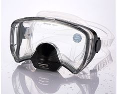 A Diving Mask: Professional And Quality-Driven Mask Scuba Diving Mask, Dive Mask, Swimming Glasses, Goggles Swimming, Sports Magazine, Diving Equipment, Gopro, Water Sports, Snorkeling