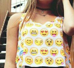 Camiseta corta con emojis