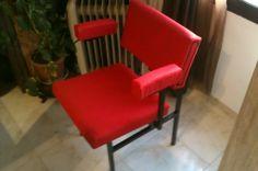 silla antigua restaurada de peluqueria