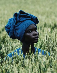 this editorial is simply delicious!! The colour contrasts !! ah! [Jeneil Williams for September VOGUE Deutsch]