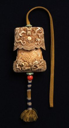 China | Tinder box with dragons; Ivory  | Qing dynasty (1644-1912), Reign of the Qianlong Emperor (1736-1795) | ©Asian Art Museum, San Francisco