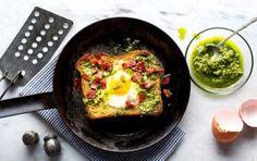12 high-protein breakfasts under 300 calories pesto egg-in-a-hole with baco Healthy Egg Breakfast, High Protein Breakfast, Breakfast Recipes, Hardy Breakfast, Power Breakfast, Health Breakfast, Dinner Recipes, Sweet Potato Muffins, Salad With Sweet Potato