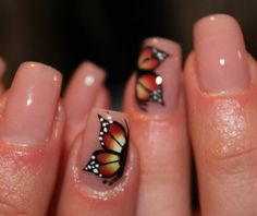 Adorable butterfly nails <3