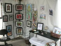 Pinner said: My First Outdoor Craft Fair Experience - Display Ideas Craft Show Booths, Craft Booth Displays, Craft Show Ideas, Display Ideas, Booth Ideas, Stall Display, Frame Display, Photo Displays, Photography Booth
