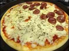 Receita de Pizza sem Glúten - Pizza sem Glúten - 1/2 xícara (chá) de fécula de batata - 1 xícara (chá) de amido de milho - 1 colher (sopa) cheia de margarina - 1 colher...