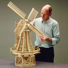 Windmill Diy, Garden Windmill, Popsicle Stick Crafts, Craft Stick Crafts, Diy And Crafts, Woodworking Plans, Woodworking Projects, Front Wall Design, Old Windmills