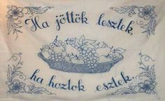 Nektek is volt hímzett falvédőtök? Nálatok melyik lógott a falon? Chain Stitch Embroidery, Cute Embroidery, Learn Embroidery, Embroidery Stitches, Embroidery Patterns, Stitch Head, Last Stitch, Hungarian Embroidery, Straight Stitch