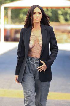 Megan Fox Style, Megan Fox Hot, Megan Denise Fox, Megan Fox Photoshoot, Looks Party, Black And White Heels, The Brunette, Celebs, Portrait