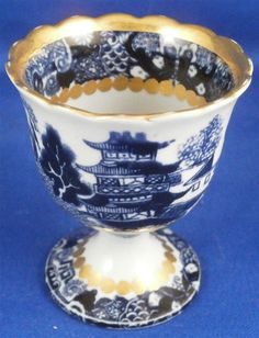 Early 19thC English Blue Willow Porcelain Egg Cup Blue