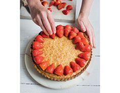 strawberry frangipane tart, made with ground almonds