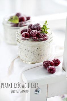 Płatki ryżowe na mleku z chia i malinami Breakfast Options, Aga, Healthy Smoothies, Fruits And Veggies, Mousse, Raspberry, Healthy Lifestyle, Brunch, Frozen