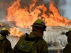 Wildfires threaten several thousand homes in Southern California  Over 4,000 firefighters are battling four wildfires in Southern California.  ------------------------------ #news #buzzvero #events #lastminute #reuters #cnn #abcnews #bbc #foxnews #localnews #nationalnews #worldnews #новости #newspaper #noticias