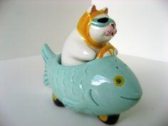 CLAY-ART-NESTER-CAT-DRIVING-FISH-CAR-SALT-PEPPER-SHAKERS