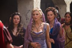 Lucy Lawless, Viva Bianca, Hanna Mangan Lawrence, and Nicola Simpson in Spartacus: Blood and Sand Ancient Rome, Ancient Greece, Spartacus Women, Spartacus Vengeance, Roman Hair, Roman Dress, Xena Warrior Princess, Vestidos, Princesses
