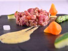 Receta | Tartar de presa ibérica con mayonesa de mostaza y verduras - canalcocina.es