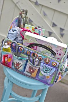 traveling art bag tote.... Close 2 MY Art... Michelle more pics on her blog