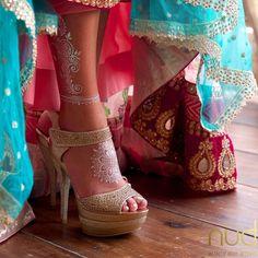 metallic mehndi feet.jpg