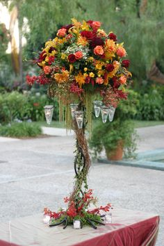 Tall Wedding Centerpieces | 2009 My Wedding Blooms . All rights reserved. . Portfolio design by ...