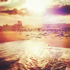 Atardecer en la playa. Villa Gesell Bs As - Argentina