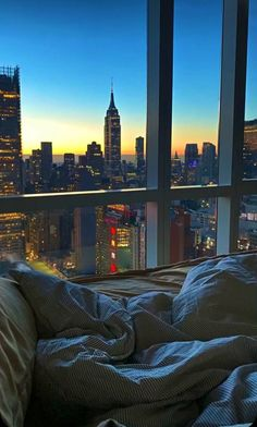 New York Wallpaper, City Wallpaper, New York Life, Nyc Life, City View Apartment, Italy Painting, City Vibe, City Aesthetic, Travel Aesthetic