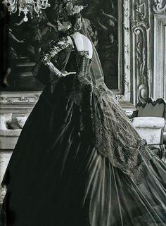 GIO KATHLEEN: The Venetian Ball with Dolce & Gabbana Alta Moda Vogue Italia September 2013