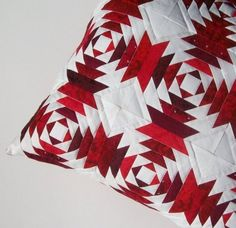 Holiday Reds Pineapple Quilt Block Pillow Cover