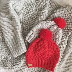 Wool cardigan and cotton hats