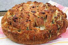 Rețeta zilei de joi. Pâine cu dovlecei și verdeață http://www.antenasatelor.ro/re%C5%A3ete-de-suflet/re%C5%A3eta-zilei/re%C5%A3eta-zilei-de-joi/3056-re%C8%9Beta-zilei-de-miercuri-paine-cu-dovlecei-%C8%99i-verdea%C8%9Ba.html