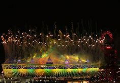 @London2012 Incredible fireworks above our multi-coloured Olympic Stadium #London2012 #ClosingCeremony