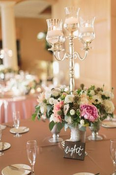 Romantic Blush and Gold Las Vegas Wedding via TheELD.com | Meg Ruth Photo