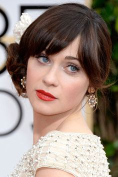 The 10 Golden Globes Beauty Looks That Will Inspire You All Year - Zooey Deschanel