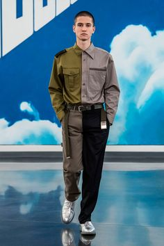 Gosha Rubchinskiy unveiled his Fall/Winter 2018 collection in Yekaterinburg (Russia).