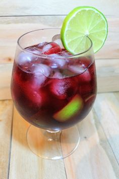 Como fazer molho Chipotle picante do Subway Easy Alcoholic Drinks, Drinks Alcohol Recipes, Bar Drinks, Beverages, Food N, Food And Drink, Healthy Breakfast Recipes, Summer Drinks, Mixed Drinks