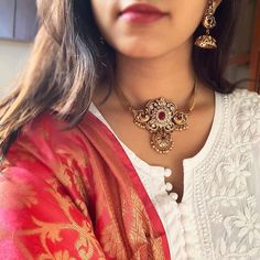 Peacock Matte Choker Necklace with Jhumkas ~ South India Jewels Gold Bangles Design, Gold Jewellery Design, Beaded Choker Necklace, Circle Necklace, Short Necklace, Necklace Set, Gold Necklace, Saree Jewellery, Bridal Jewellery