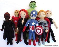 Fuente: http://milesofcrochet.tumblr.com/post/49884289926/leftandrightdolls-avengers-assemble-group
