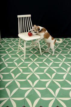 Les carreaux graphiques : Carreaux Lily Basil/Cream by contemporary tiles via Goodmoods