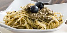 Spaghetti olive e acciughe - http://www.piccolericette.net/piccolericette/spaghetti-olive-e-acciughe/
