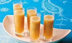 Suco de abacaxi , kiwi e hortelã .