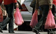 UE pone freno a bolsas de plástico: idea es reducir uso a 90 per cápita en 2019 y a 40 en 2025 http://lt.cl/Mh5kC