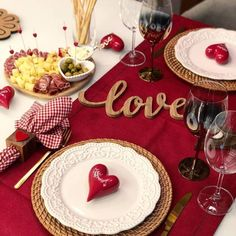Romantic Table, Romantic Room, Romantic Dinners, Romantic Dinner Setting, Anniversary Gift Ideas For Him Boyfriend, Boyfriend Gifts, Dining Ware, Dinning Table, Brunch Table