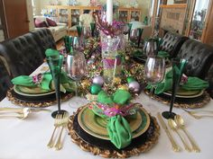 The Welcomed Guest: Mardi Gras Celebration Table