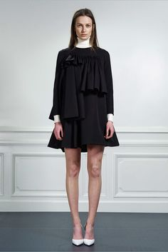 Viktor & Rolf Pre-Fall 2015 Fashion Show Collection