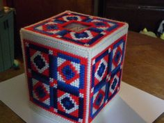 Plastic Canvas American Quilt Tissue Box Cover  422 by ritascraftsandmore on Etsy