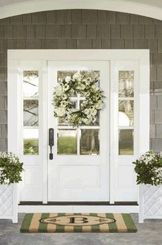 37 Gorgeous Farmhouse Front Door Ideas to Give Your Home a Makeover - The Trending House Front Door Entrance, Exterior Front Doors, Glass Front Door, Front Door Decor, White Front Doors, Farmhouse Front Doors, Front Porch, Home Front Door, Front Door Side Windows