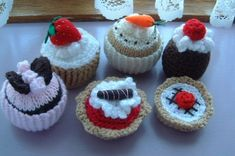 Mixed Knitted Cakes