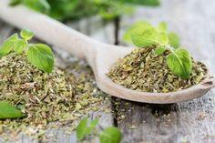 Se você já é fã do tempero, vai ficar ainda mais depois de saber dos benefícios e propriedades do chá de orégano. Ele pode ser um forte aliado da saúde!